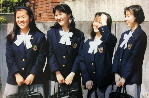 2番目の制服(1991年~2003年)